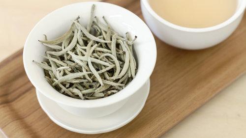 25 خاصیت بی نظیر چای سفید